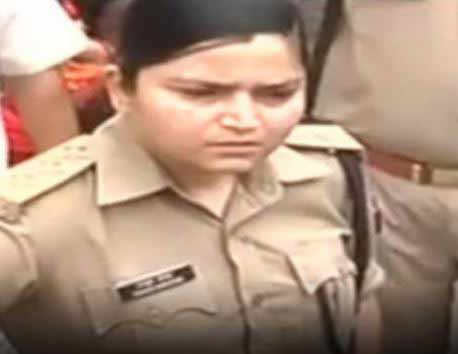 up-woman-cop-shrestha-thakur